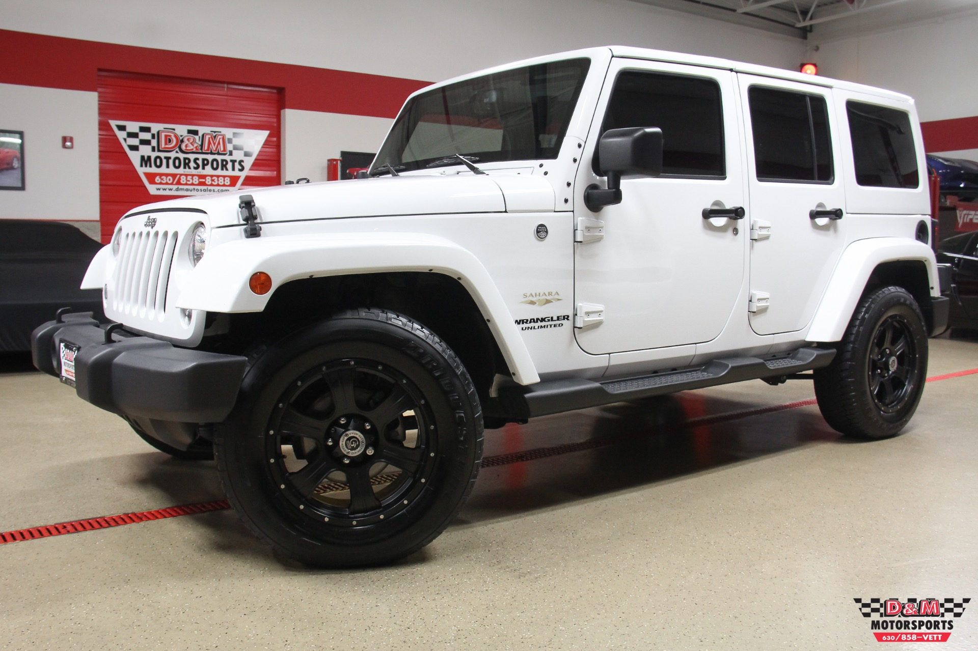 2014 jeep wrangler unlimited sahara stock m6253 for sale near glen ellyn il il jeep dealer. Black Bedroom Furniture Sets. Home Design Ideas