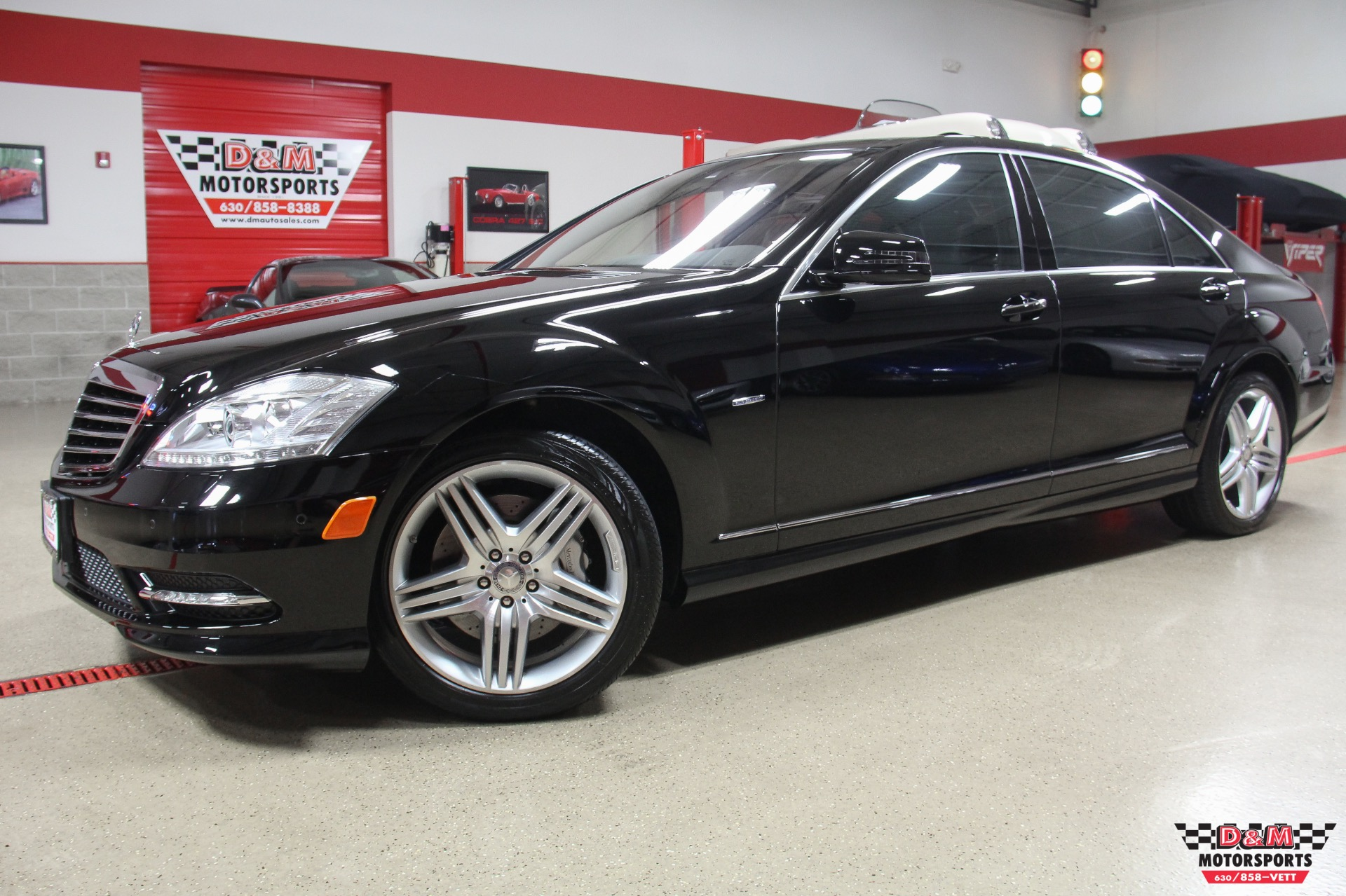 2012 mercedes benz s550 4matic stock m6317 for sale near glen ellyn il il mercedes benz dealer. Black Bedroom Furniture Sets. Home Design Ideas
