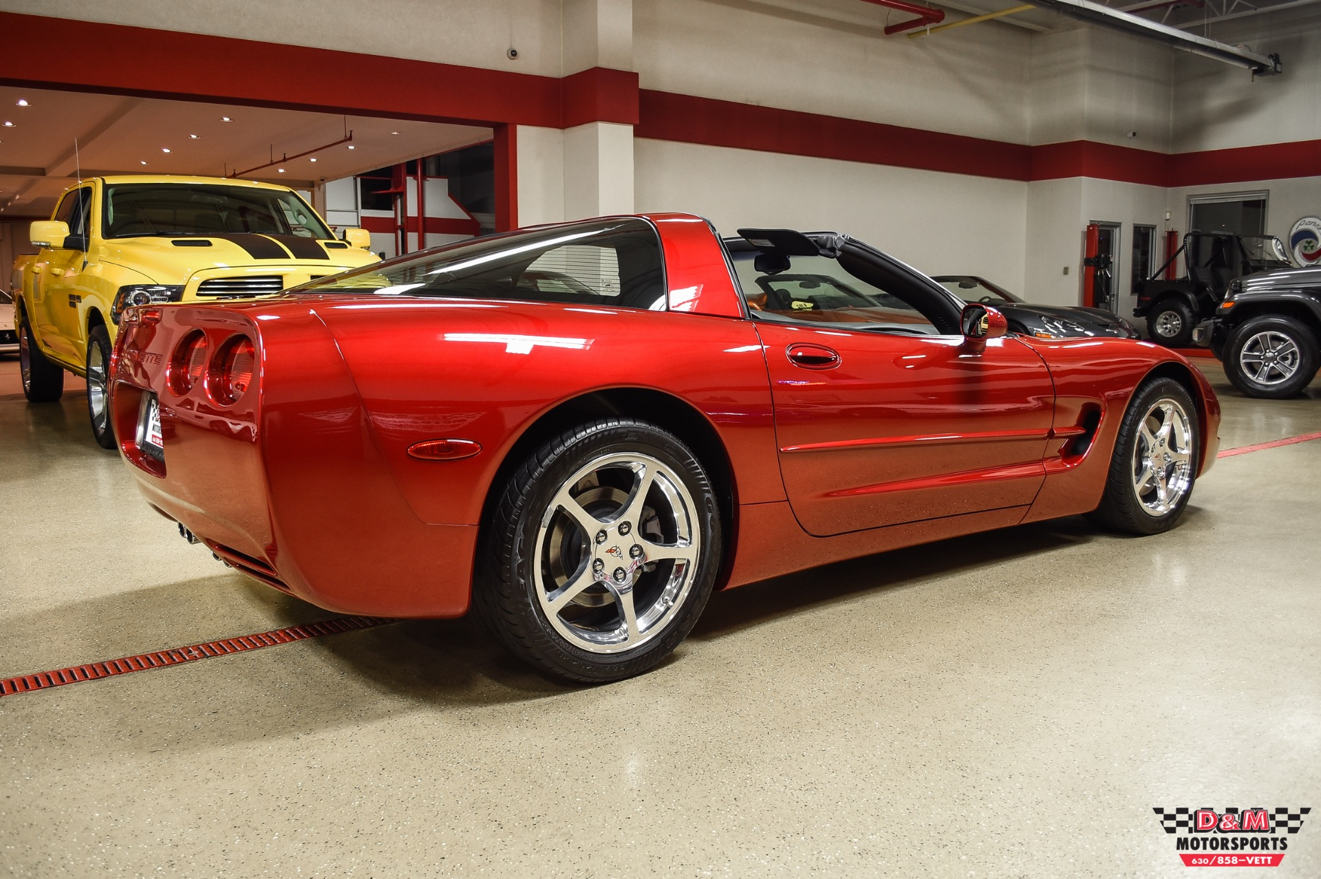 Used 2004 Chevrolet Corvette Coupe | Glen Ellyn, IL
