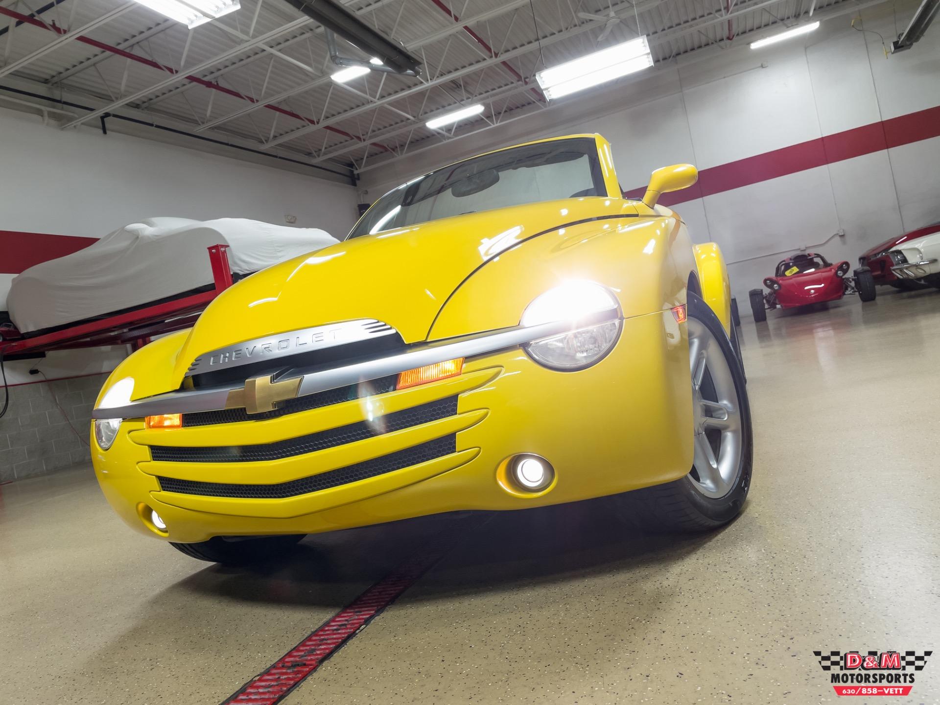 Used 2004 Chevrolet SSR LS | Glen Ellyn, IL