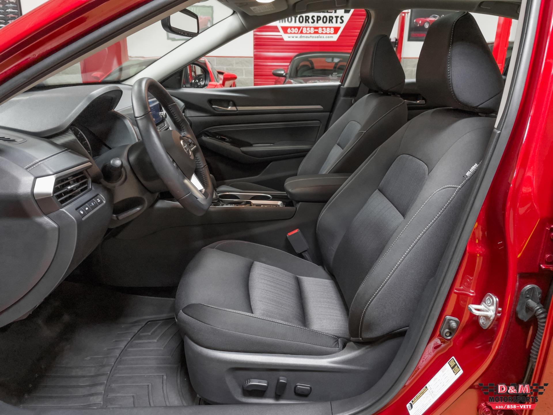 Used 2020 Nissan Altima 2.5 SV   Glen Ellyn, IL