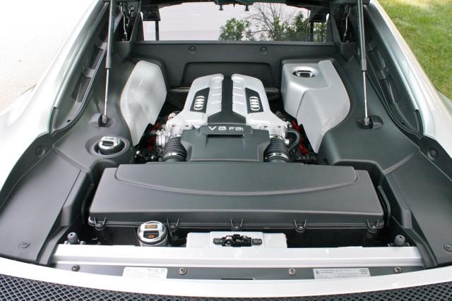 Used 2010 Audi R8 4.2 quattro | Glen Ellyn, IL