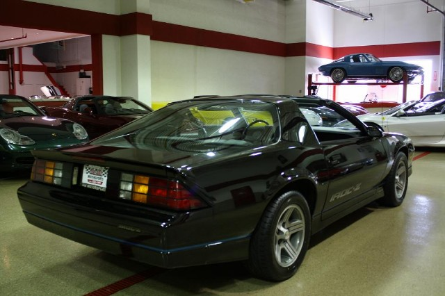 Used 1988 Chevrolet Camaro IROC Z | Glen Ellyn, IL